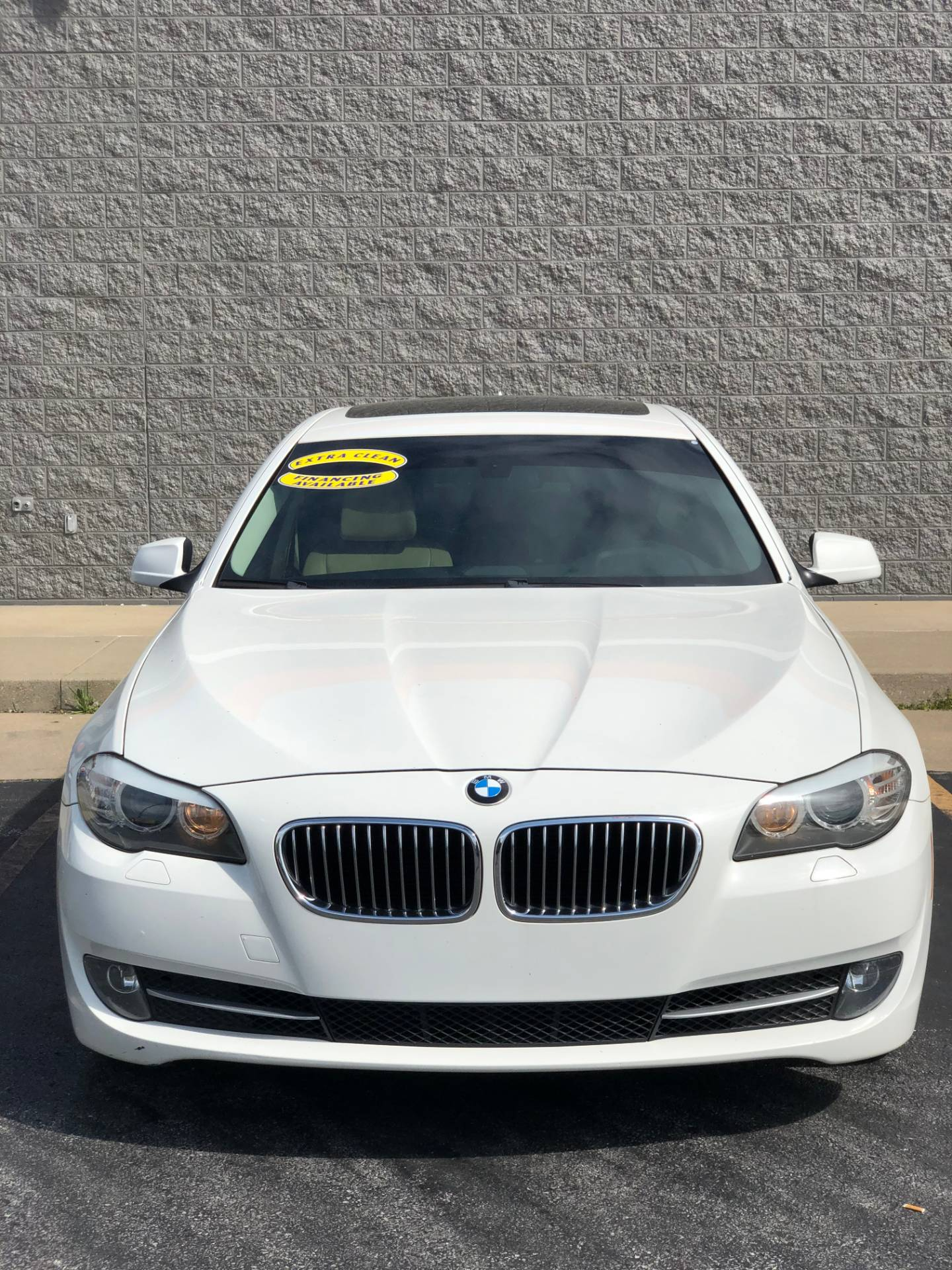 2011 BMW 528I in Marion, Illinois - Photo 2