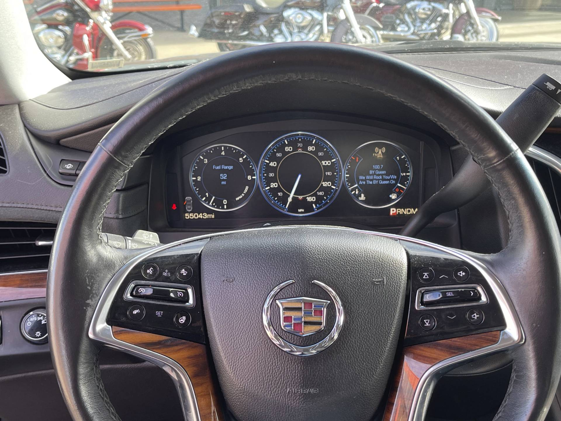2015 Cadillac Escalade in Marion, Illinois - Photo 2