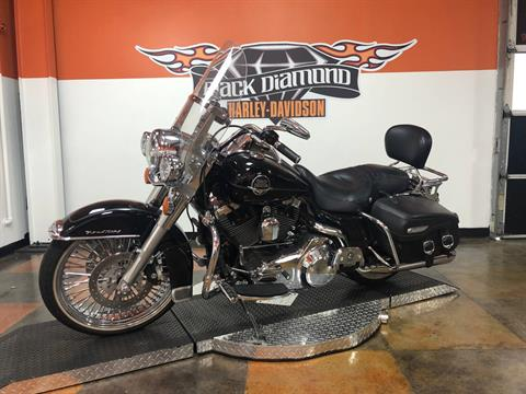 2008 Harley-Davidson Road King® Classic in Marion, Illinois - Photo 4