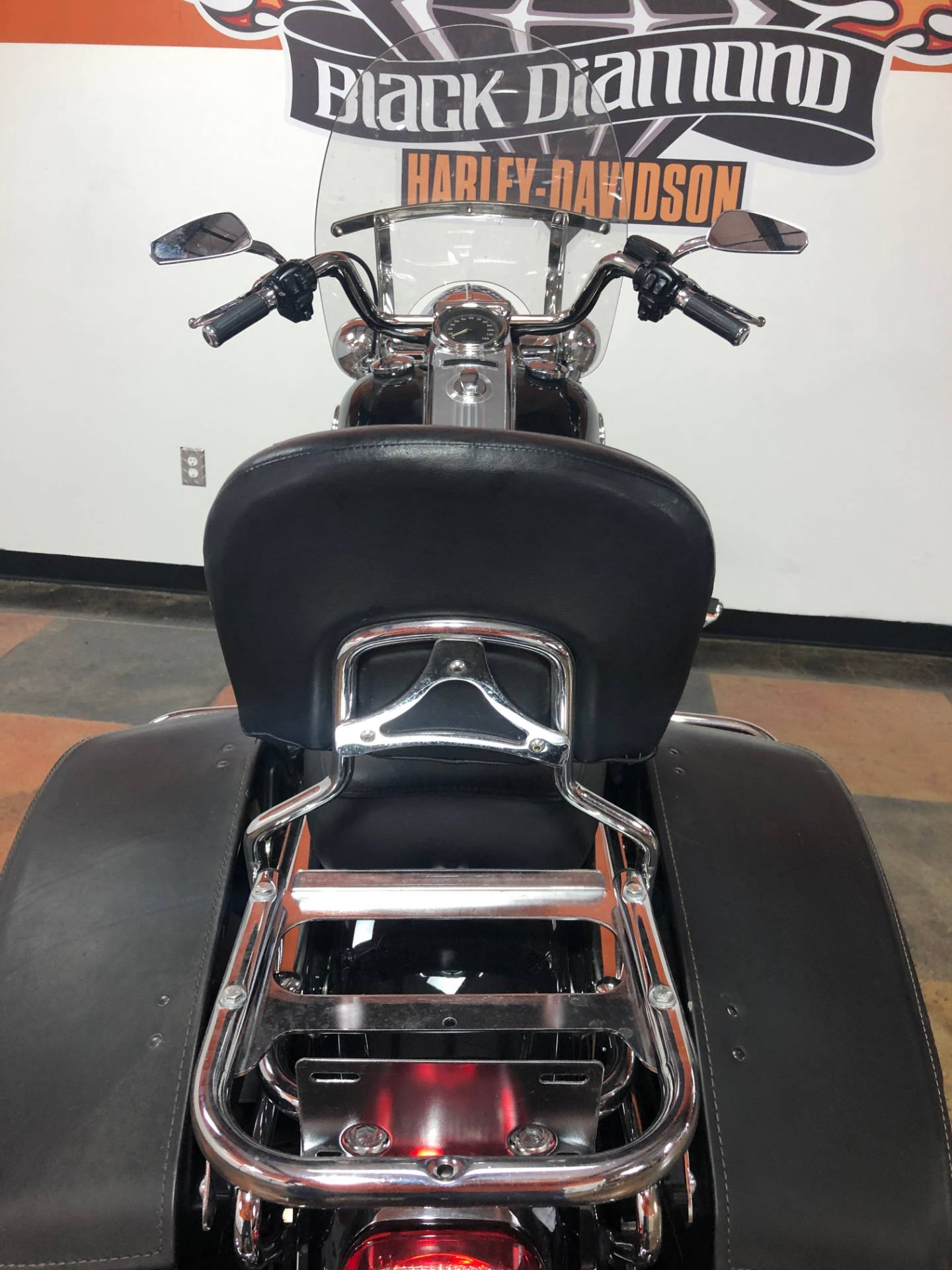 2008 Harley-Davidson Road King® Classic in Marion, Illinois - Photo 8