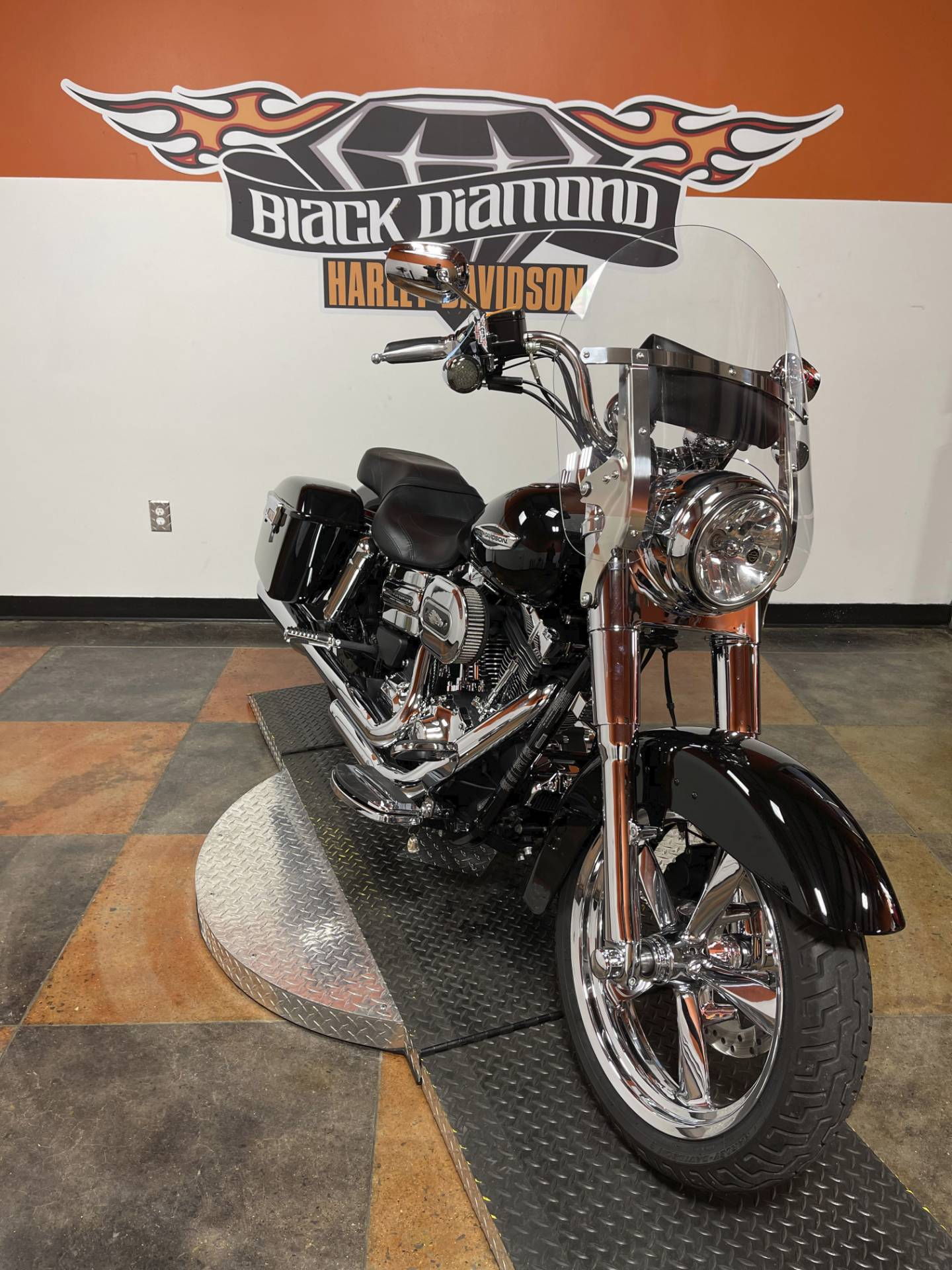 2015 Harley-Davidson Switchback™ in Marion, Illinois - Photo 2