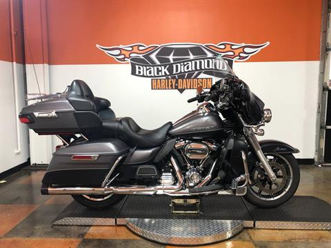 2017 Harley-Davidson Ultra Limited in Marion, Illinois - Photo 1