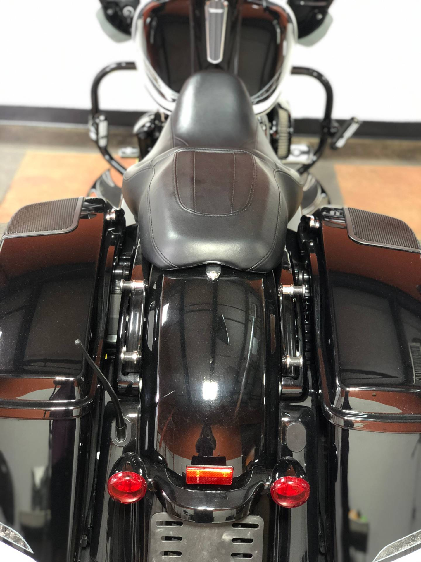 2018 Harley-Davidson Road Glide® Special in Marion, Illinois - Photo 11