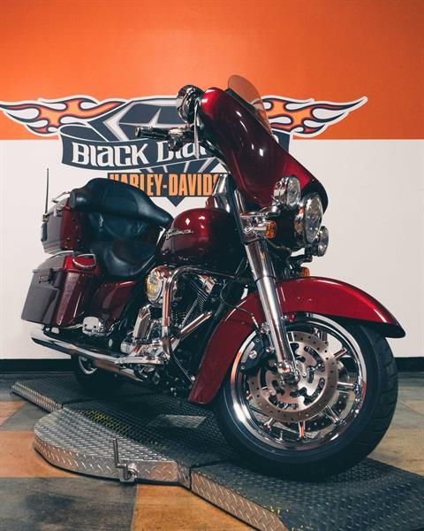 2009 Harley-Davidson Street Glide in Marion, Illinois - Photo 9