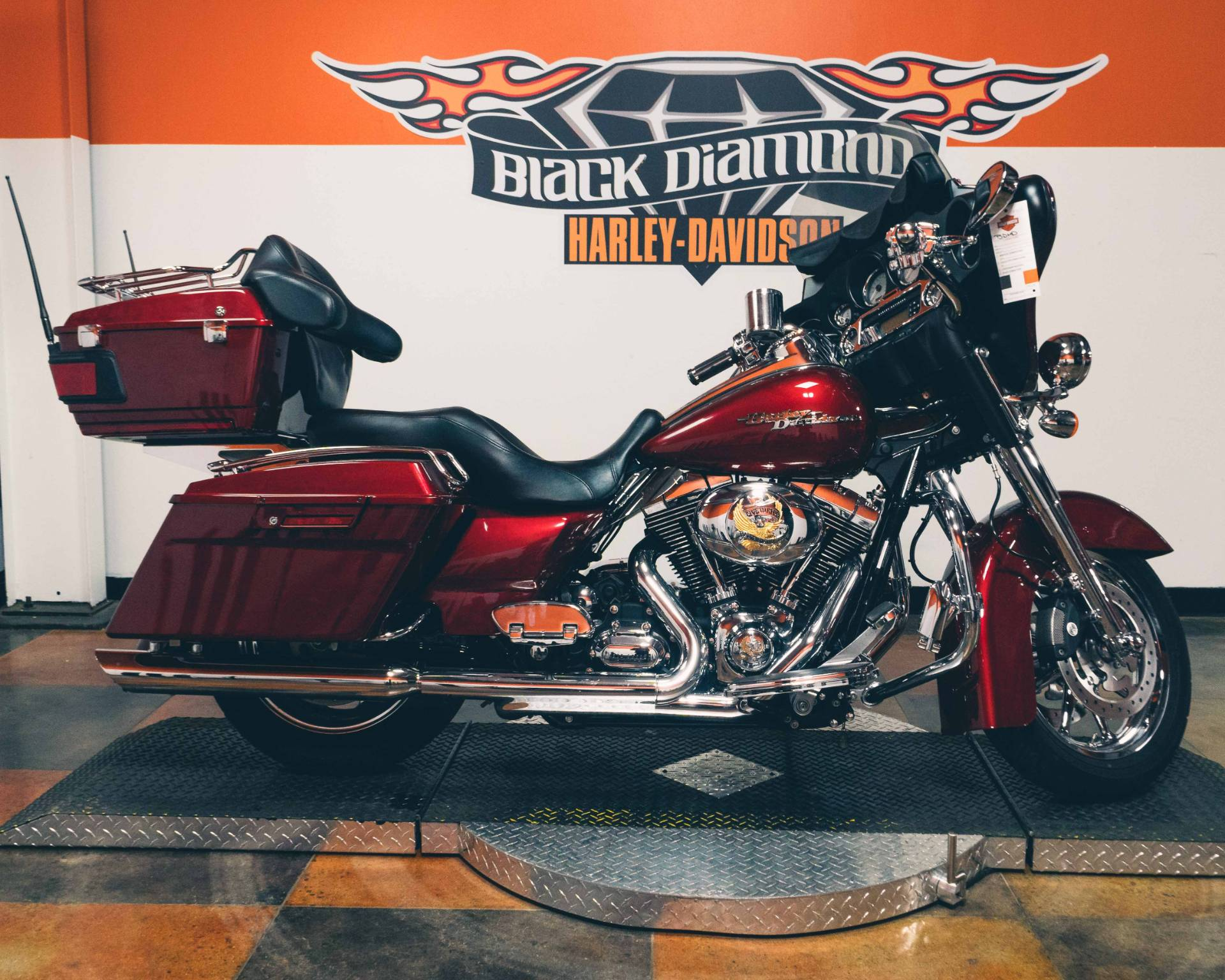 2009 Harley-Davidson Street Glide in Marion, Illinois - Photo 18