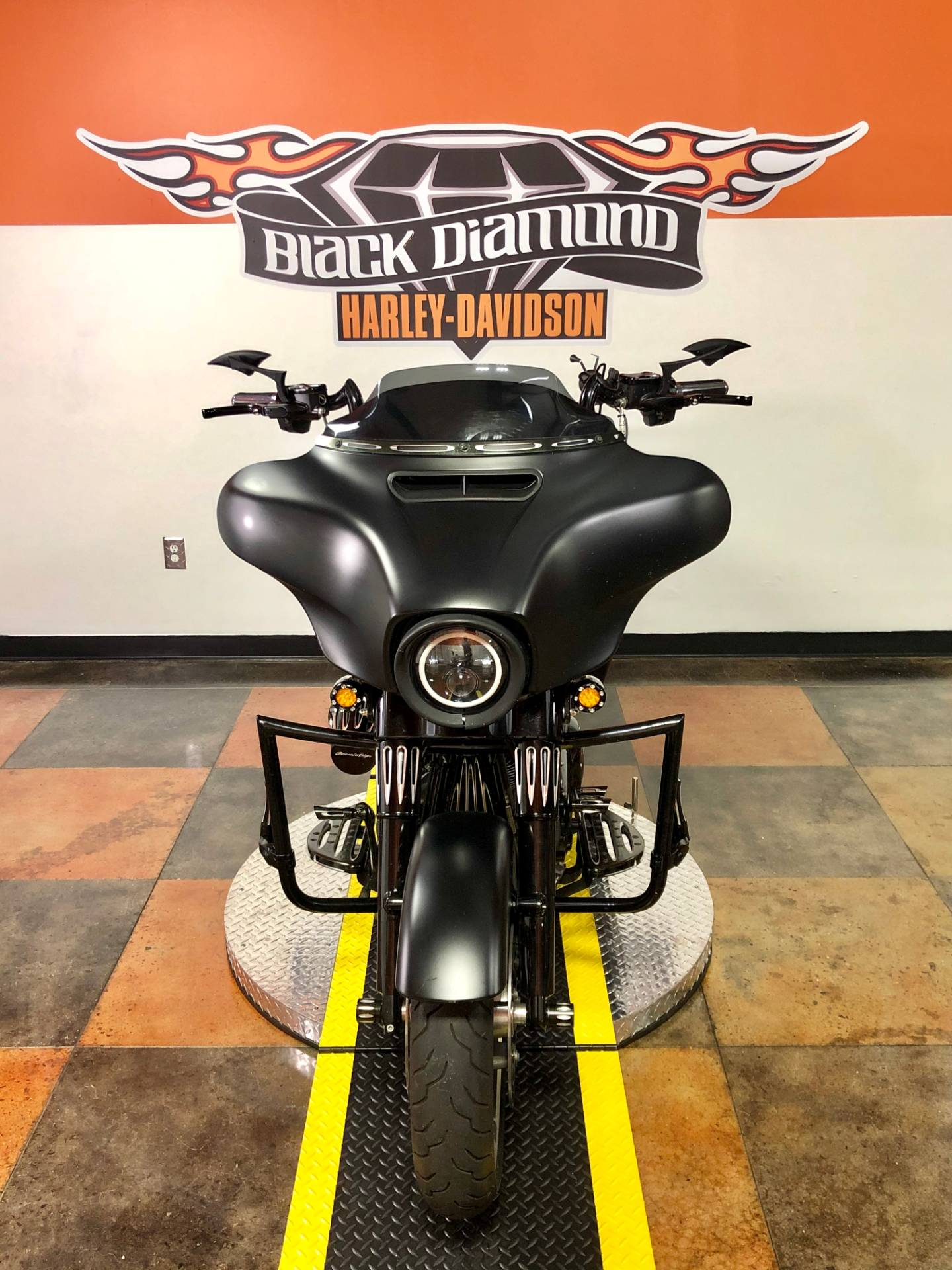 2016 Harley-Davidson Street Glide® in Marion, Illinois - Photo 2