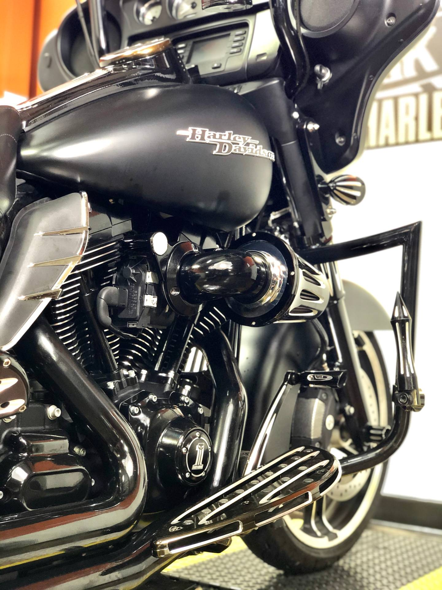 2016 Harley-Davidson Street Glide® in Marion, Illinois - Photo 5