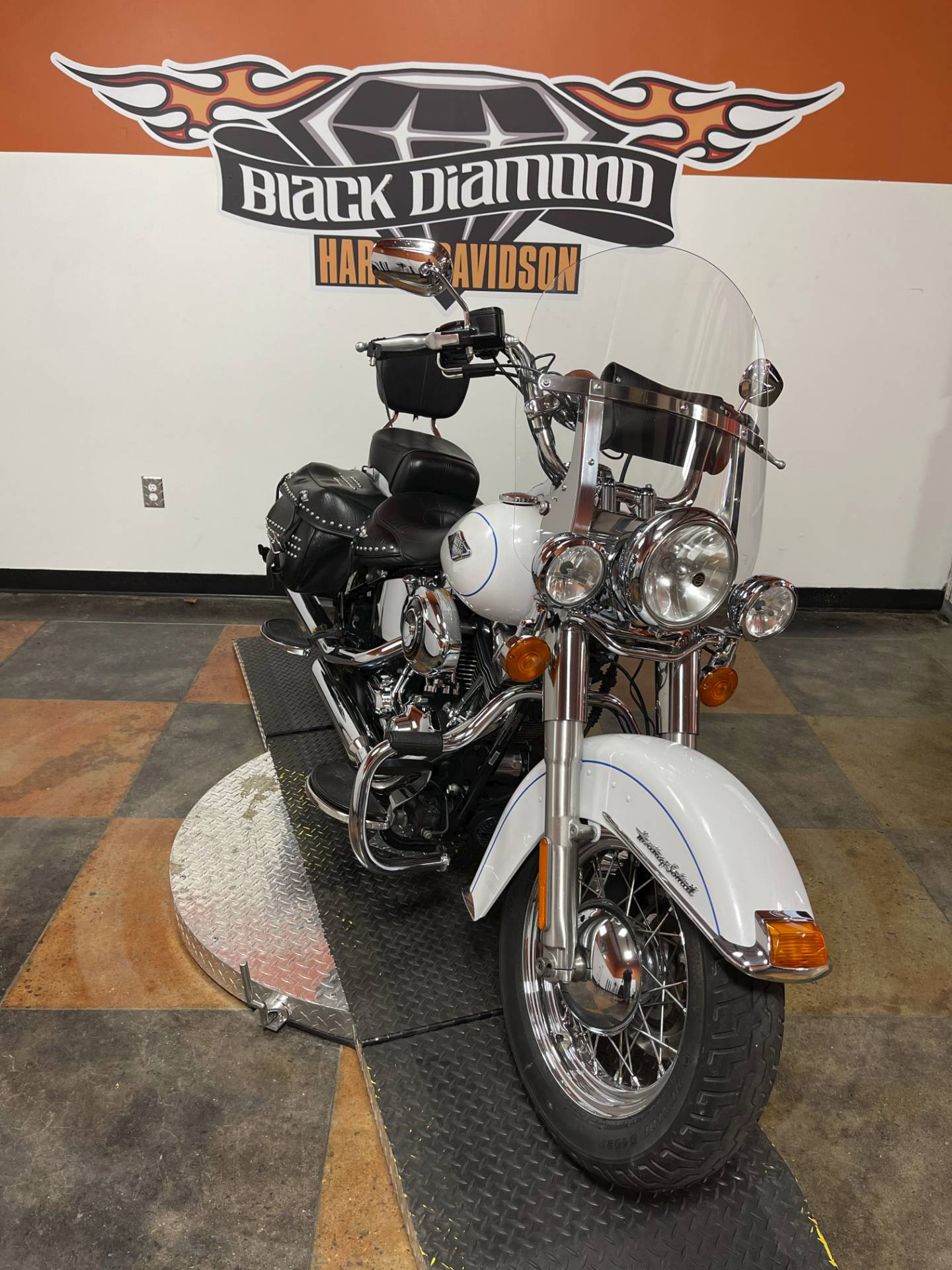 2012 Harley-Davidson Heritage Softail® Classic in Marion, Illinois - Photo 5