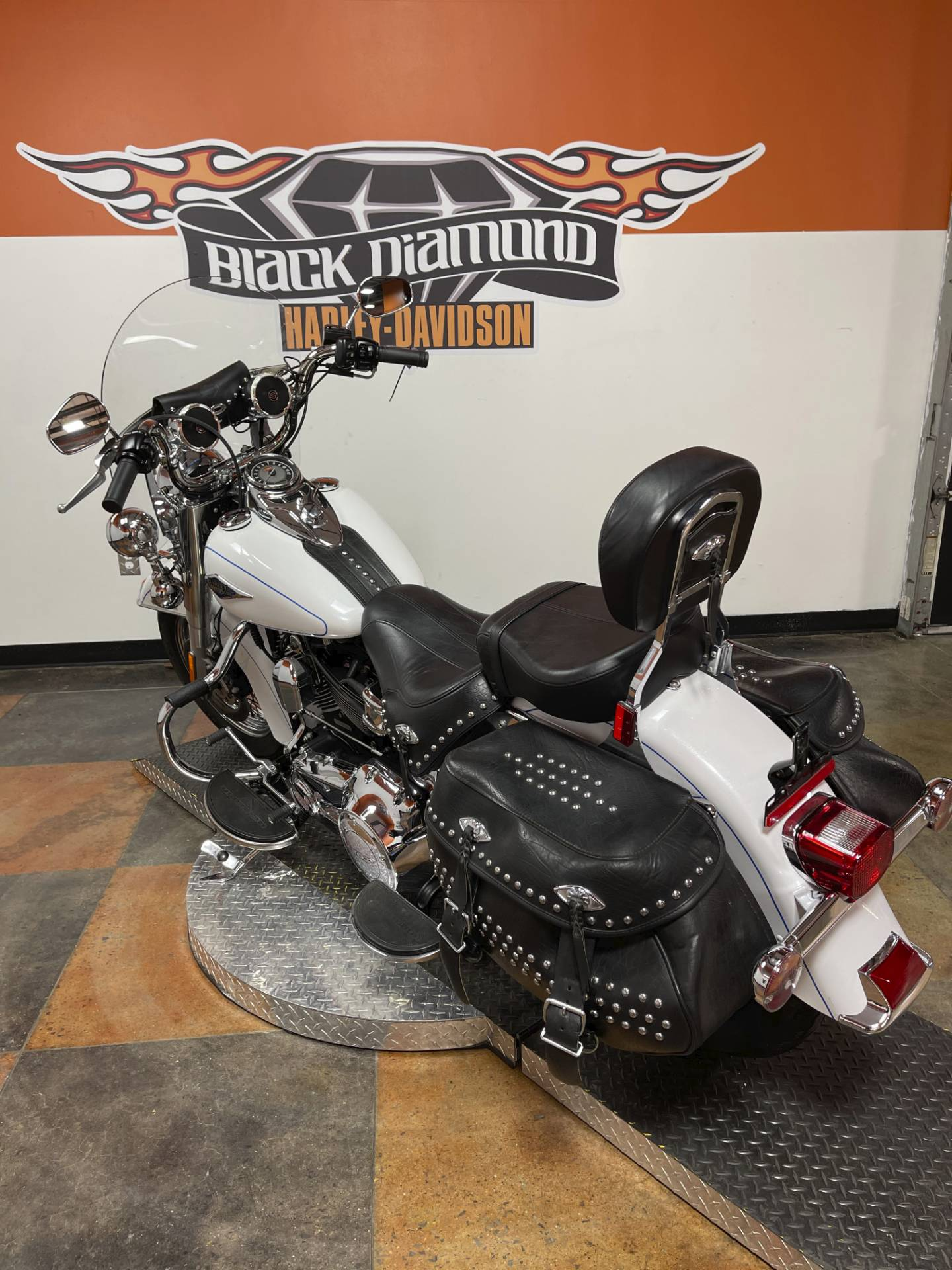 2012 Harley-Davidson Heritage Softail® Classic in Marion, Illinois - Photo 9