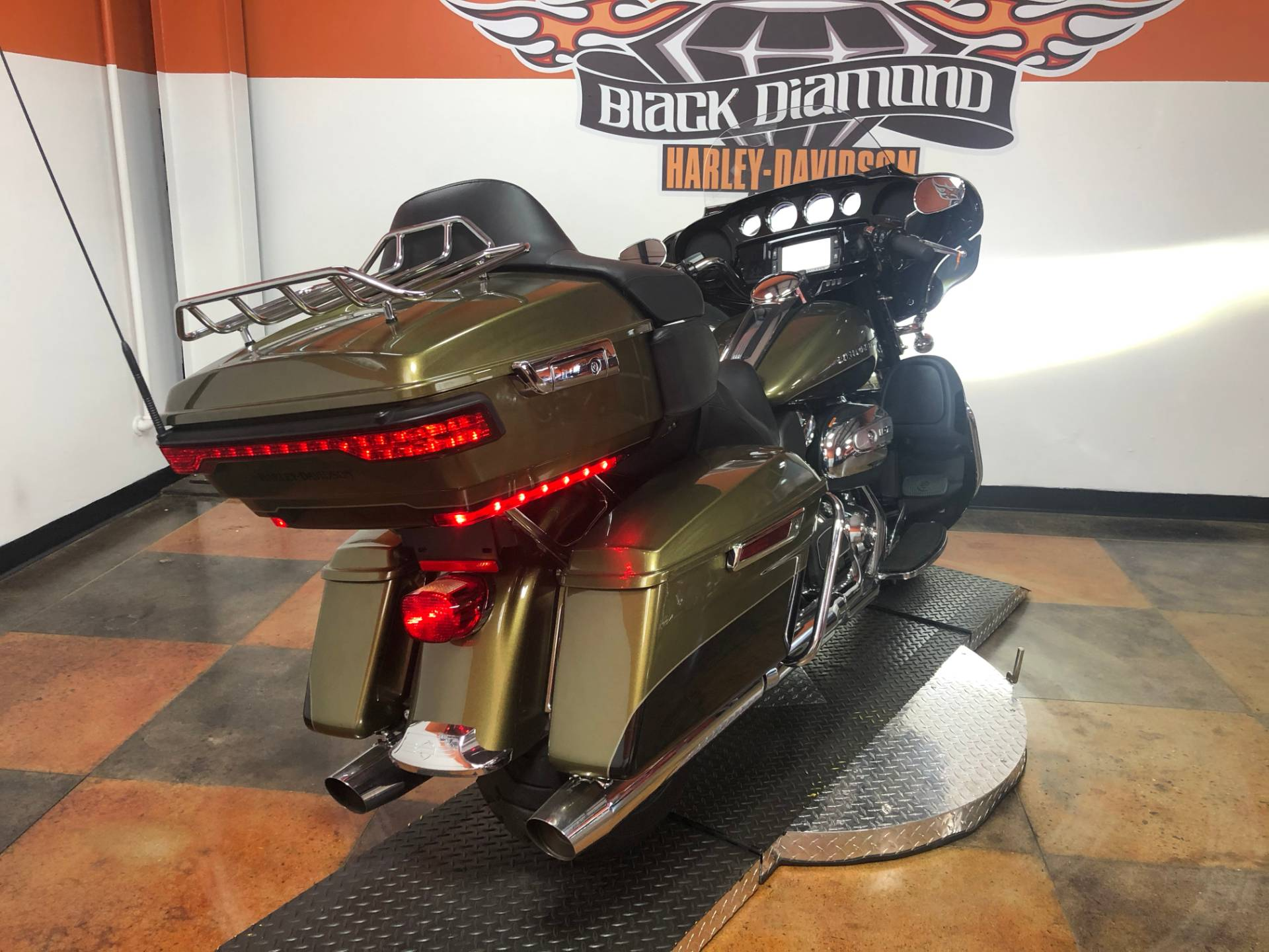 2018 Harley-Davidson Ultra Limited in Marion, Illinois - Photo 4