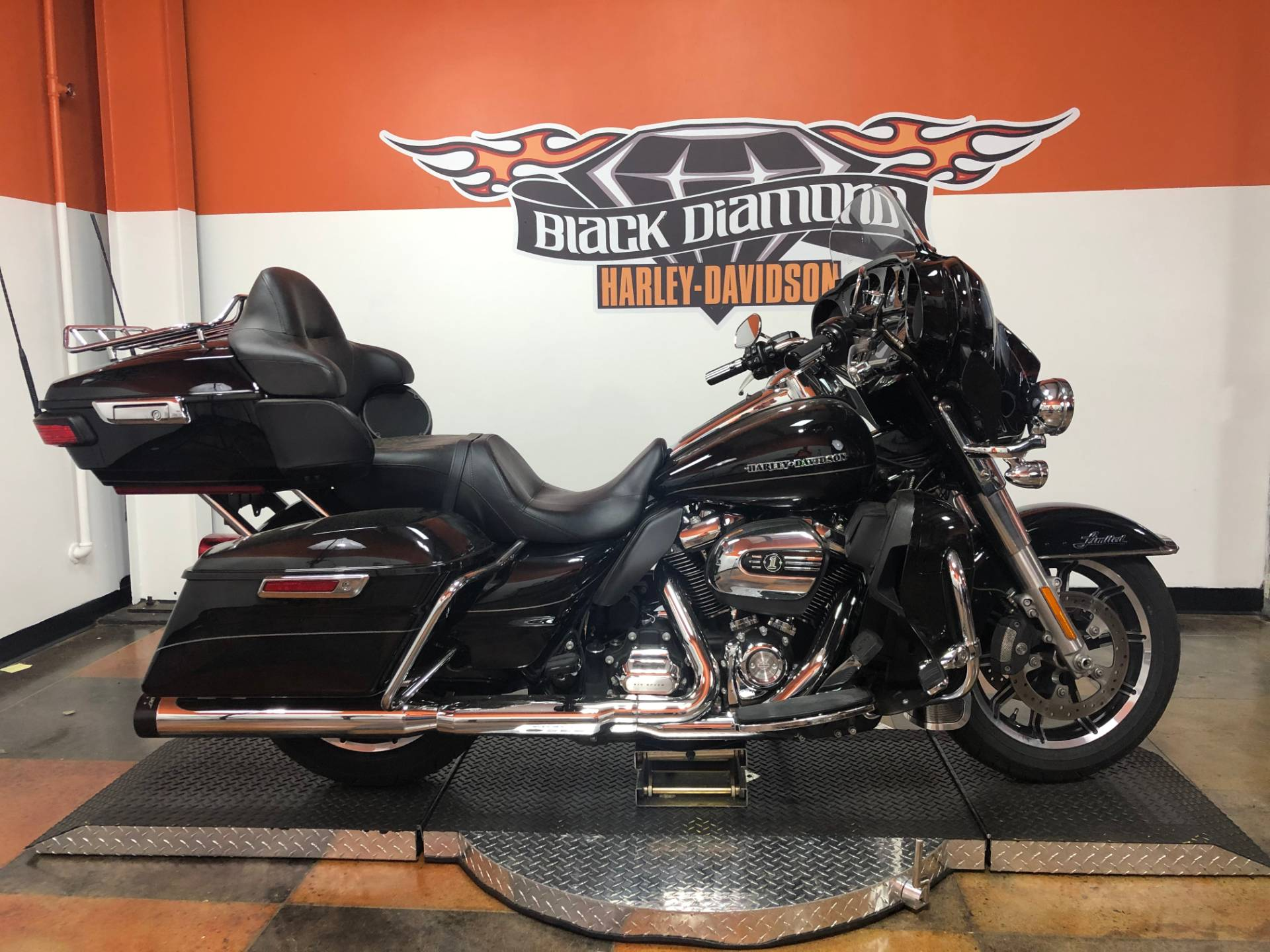2017 Harley-Davidson Ultra Limited Low in Marion, Illinois - Photo 1