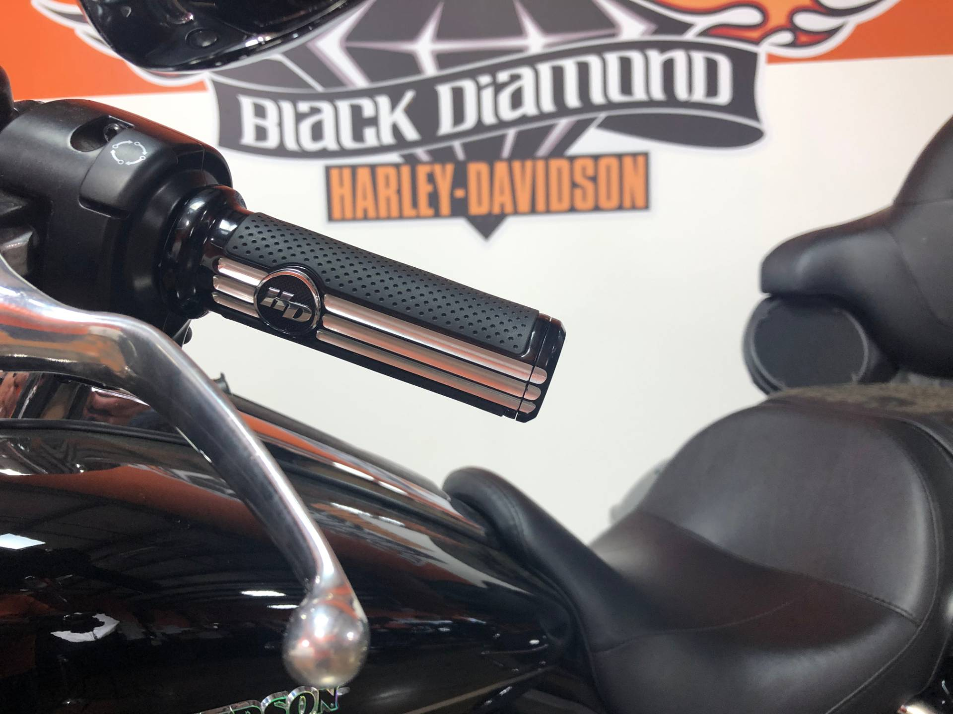 2017 Harley-Davidson Ultra Limited Low in Marion, Illinois - Photo 10