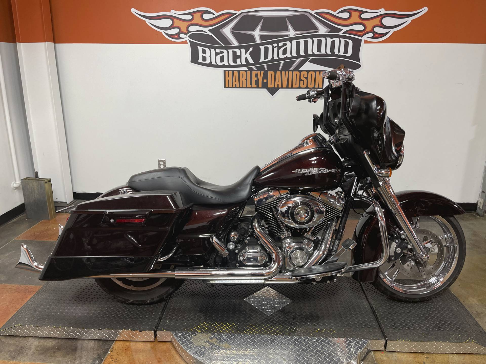2011 Harley-Davidson Street Glide® in Marion, Illinois - Photo 1