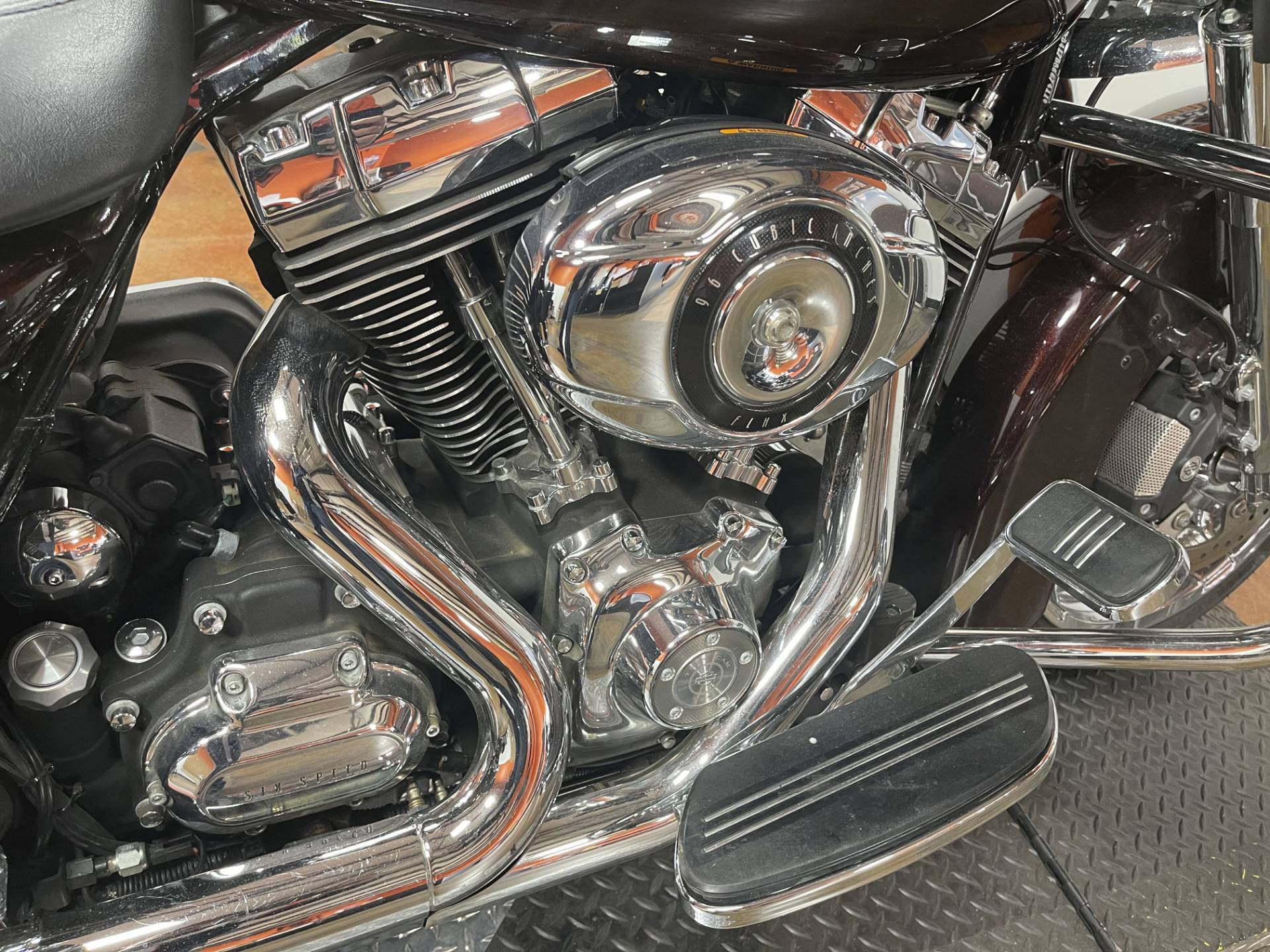 2011 Harley-Davidson Street Glide® in Marion, Illinois - Photo 11
