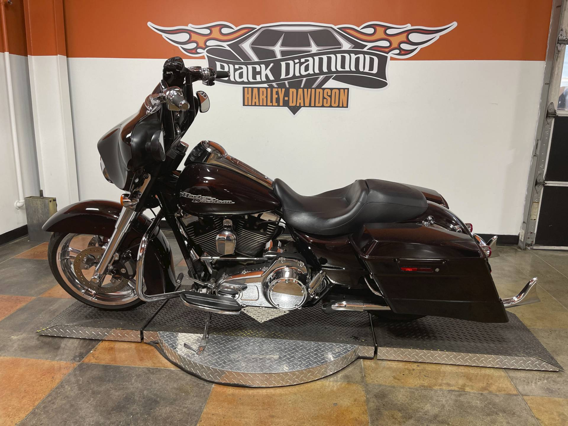 2011 Harley-Davidson Street Glide® in Marion, Illinois - Photo 15