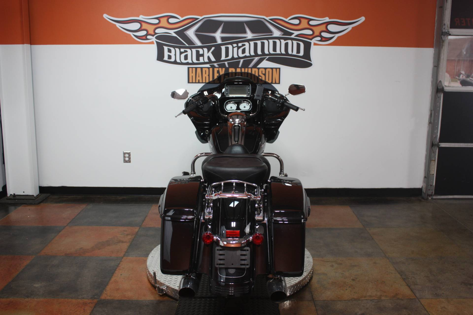 2015 Harley-Davidson Road Glide® Special in Marion, Illinois - Photo 2