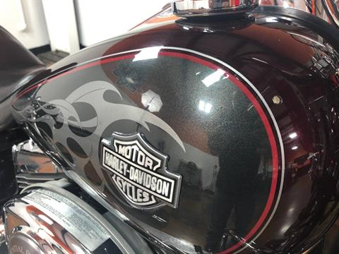 2005 Harley-Davidson FXDWG/FXDWGI Dyna Wide Glide® in Marion, Illinois - Photo 5