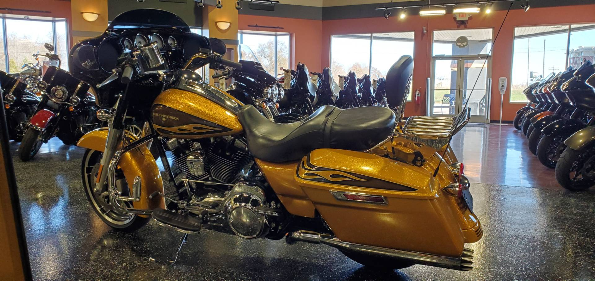 2016 Harley-Davidson STREET GLIDE SPECIAL in Mount Vernon, Illinois - Photo 2