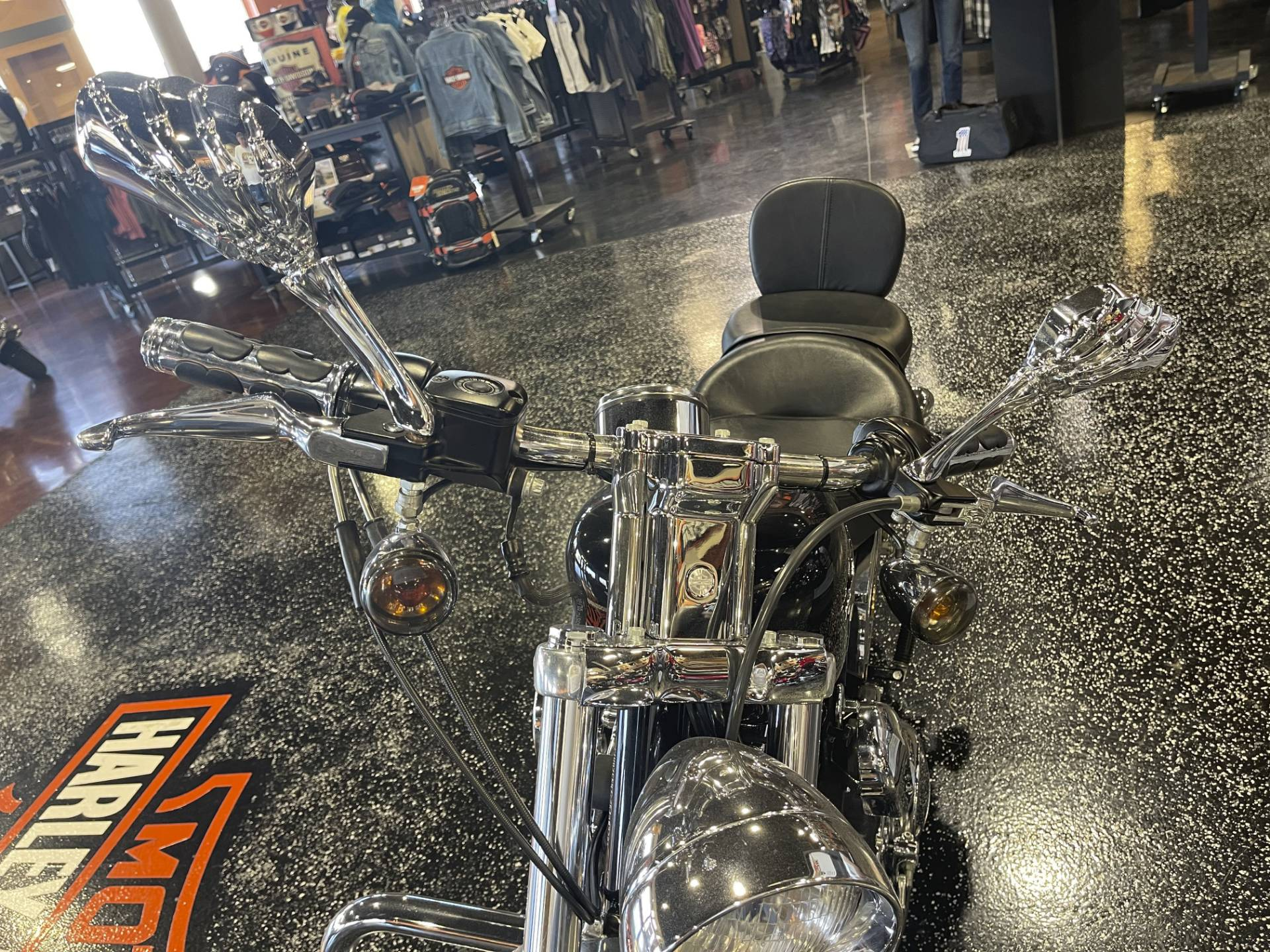 2002 Harley-Davidson XL 1200C Sportster® 1200 Custom in Mount Vernon, Illinois - Photo 4