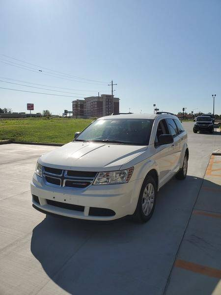 2017 Dodge Journey SE in Mount Vernon, Illinois - Photo 4
