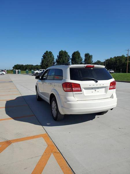 2017 Dodge Journey SE in Mount Vernon, Illinois - Photo 5