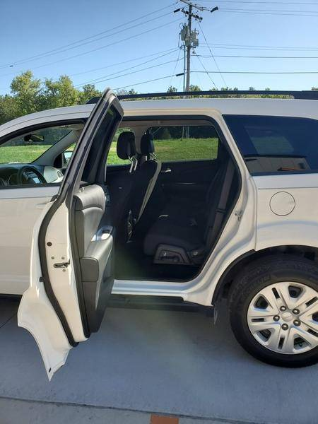 2017 Dodge Journey SE in Mount Vernon, Illinois - Photo 7