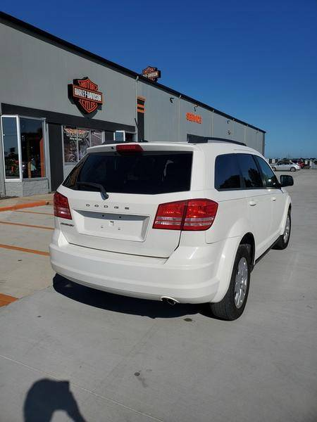 2017 Dodge Journey SE in Mount Vernon, Illinois - Photo 10