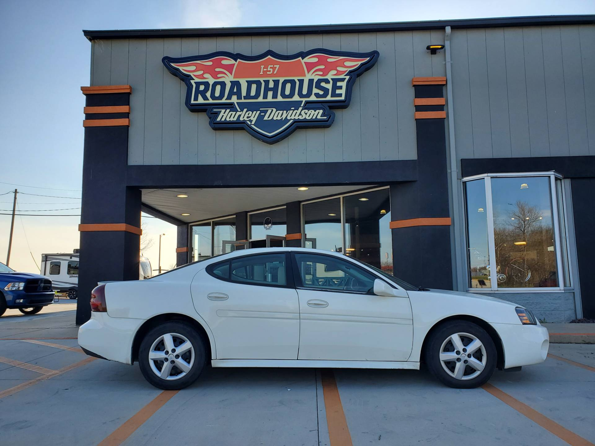 2005 Pontiac GRAND PRIX in Mount Vernon, Illinois - Photo 1