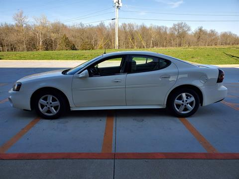 2005 Pontiac GRAND PRIX in Mount Vernon, Illinois - Photo 2