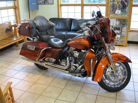 2010 Harley-Davidson FLHTCUSE5 in Black River Falls, Wisconsin