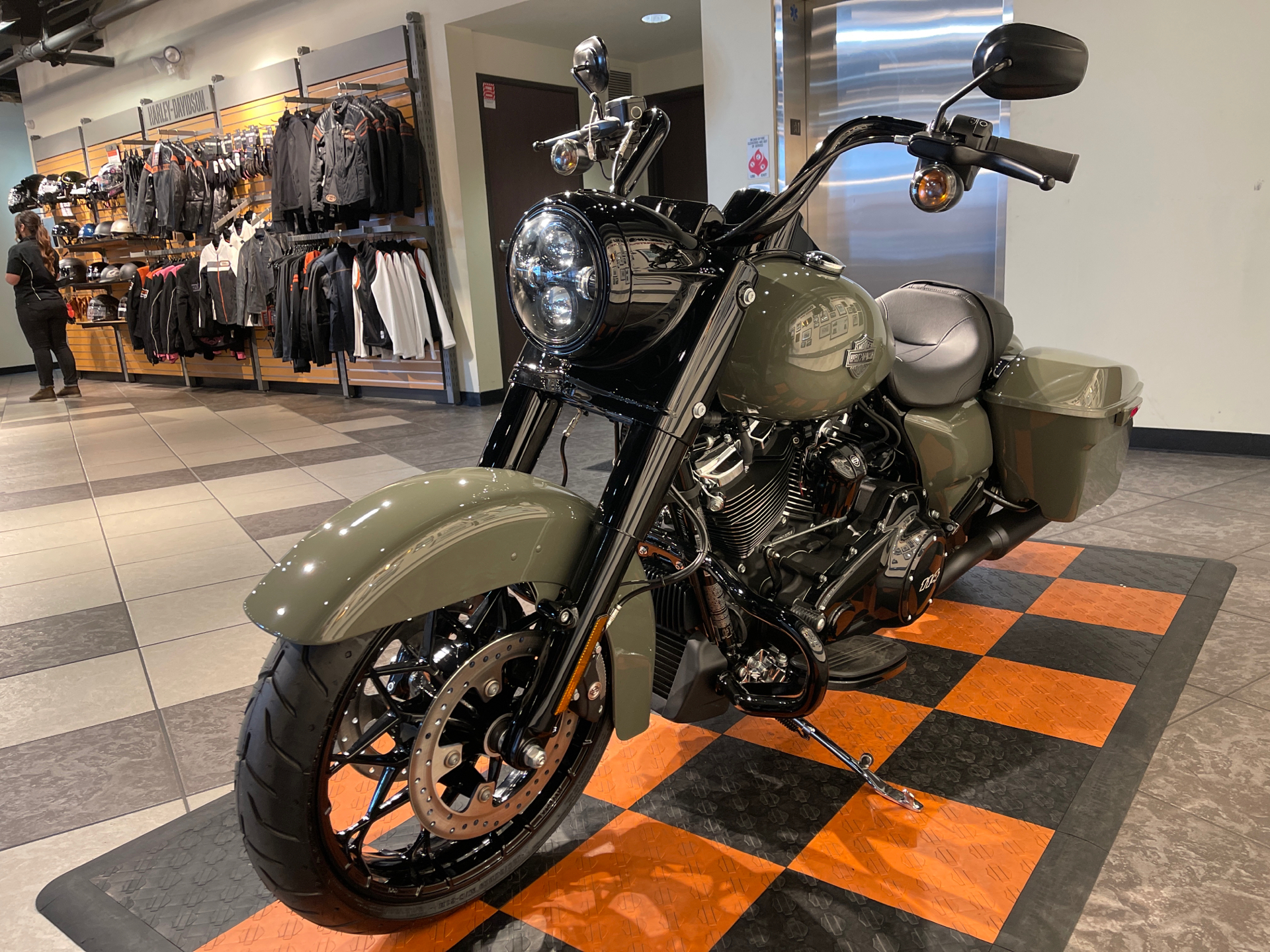 2021 Harley-Davidson Road King® Special in Baldwin Park, California - Photo 10