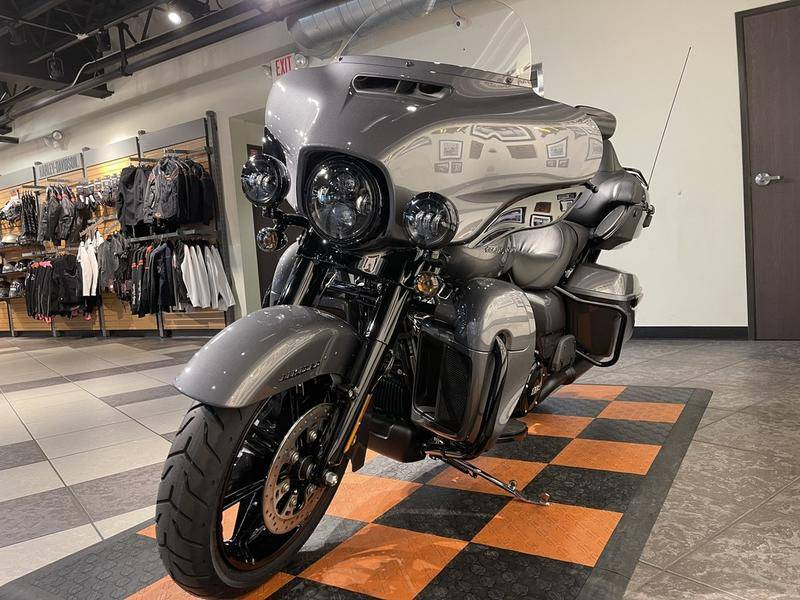 2021 Harley-Davidson Ultra Limited in Baldwin Park, California - Photo 2