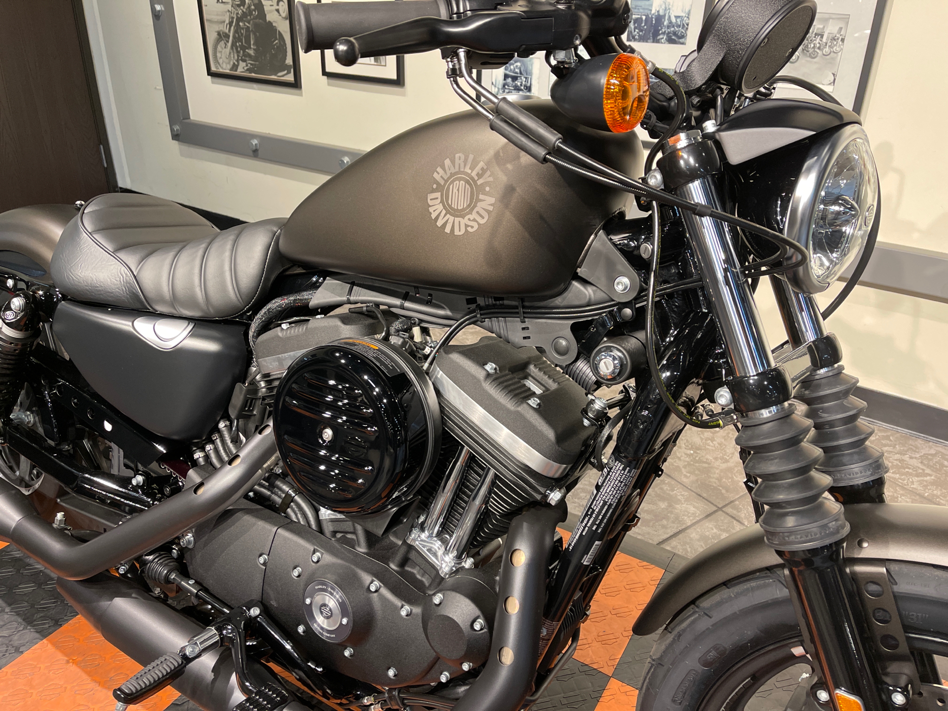 2021 Harley-Davidson Iron 883™ in Baldwin Park, California - Photo 3