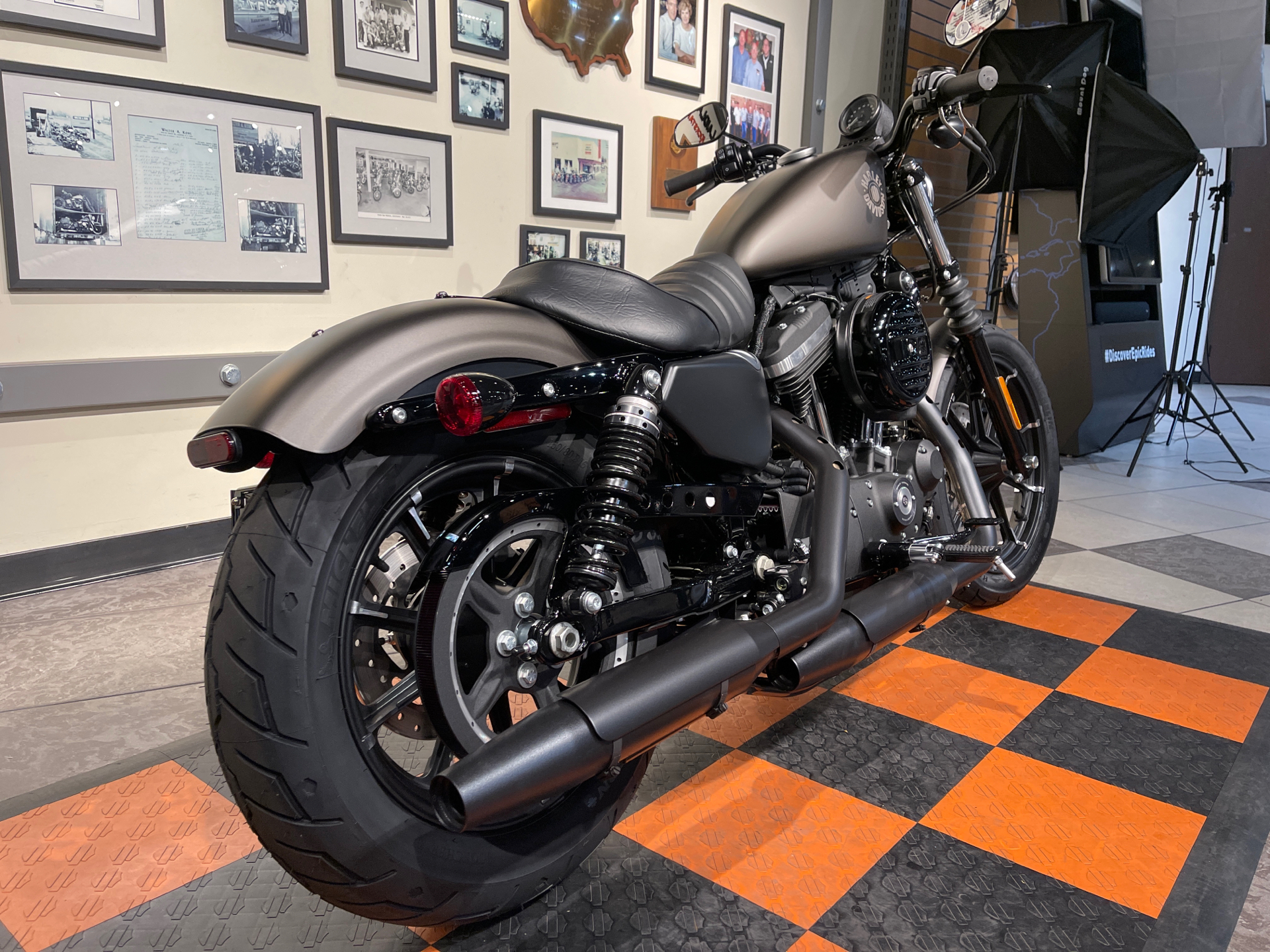 2021 Harley-Davidson Iron 883™ in Baldwin Park, California - Photo 7