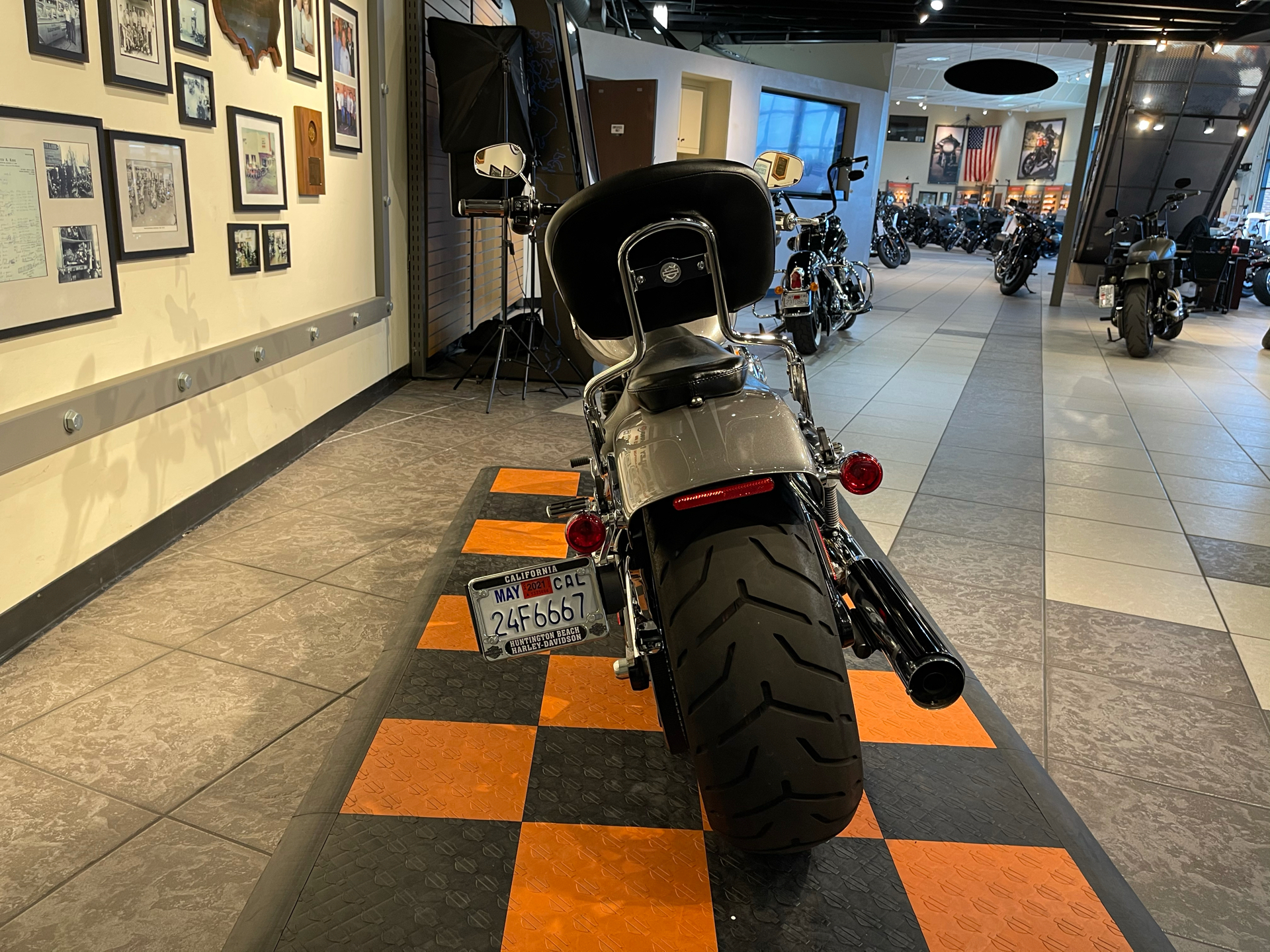 2016 Harley-Davidson Breakout® in Baldwin Park, California - Photo 4