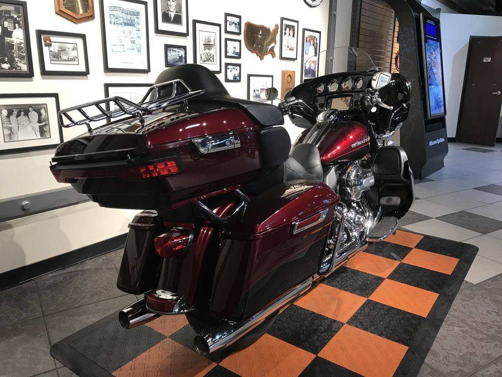 2015 Harley-Davidson Ultra Limited Low in Baldwin Park, California - Photo 2