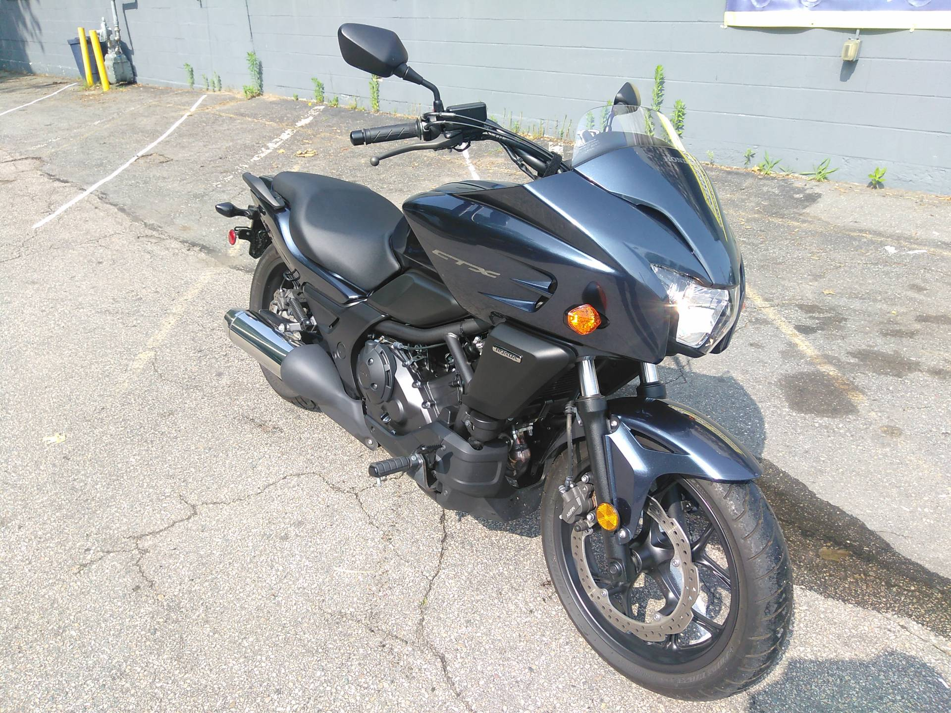 2015 Honda CTX®700 in West Bridgewater, Massachusetts - Photo 2