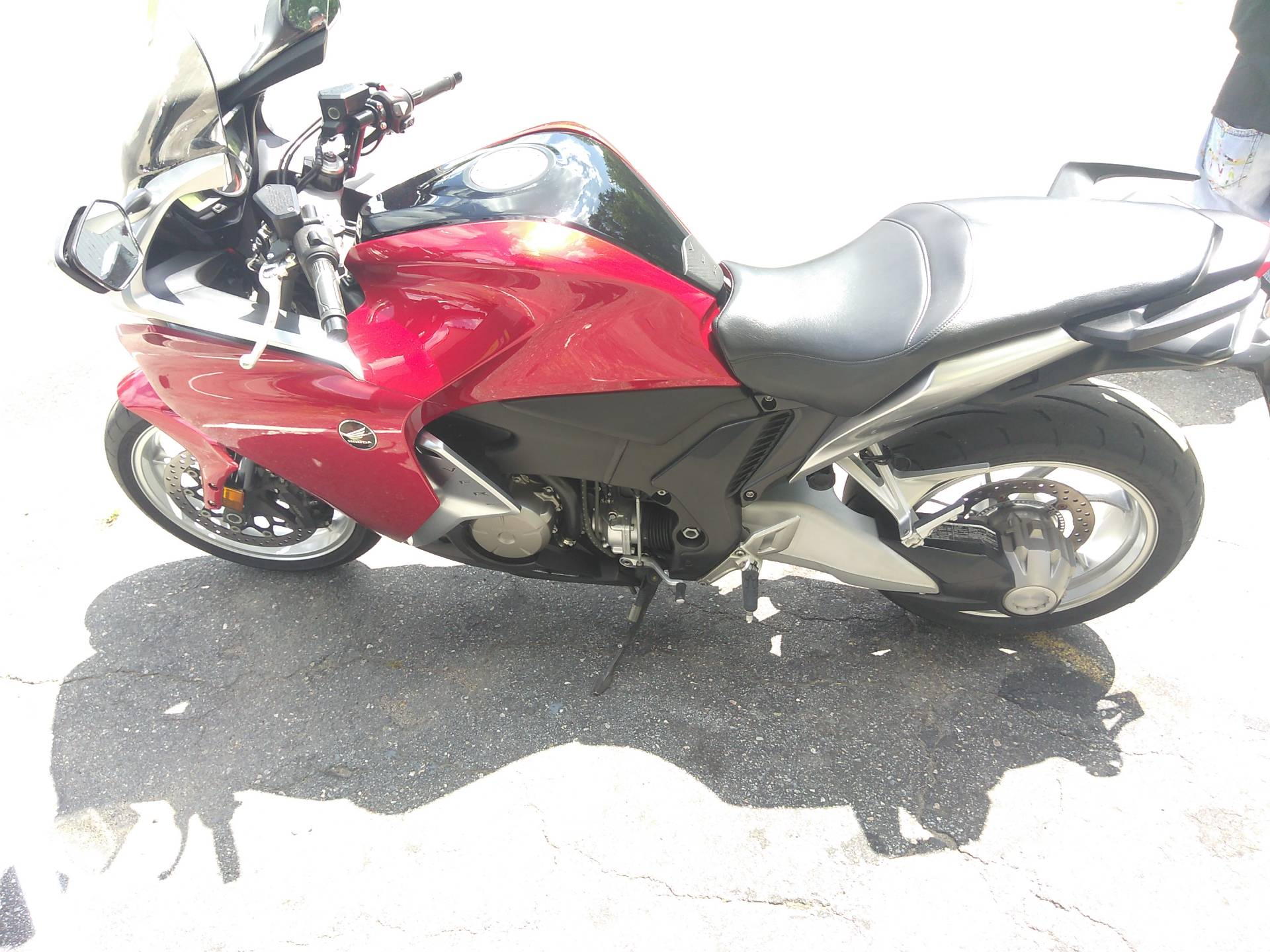 2010 Honda VFR1200F in West Bridgewater, Massachusetts - Photo 4