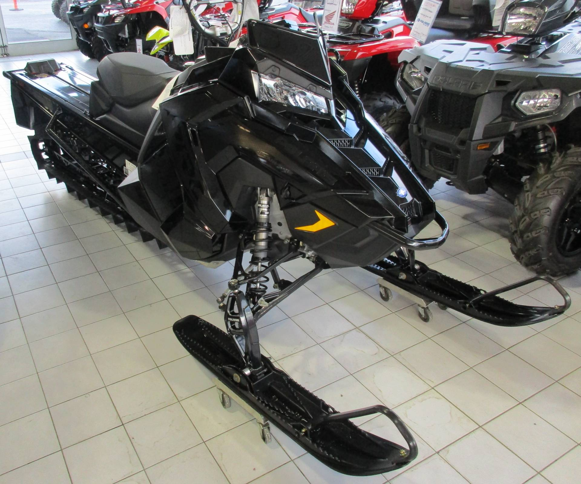 2019 Polaris 800 PRO-RMK 163 Snowcheck Select 3.0 in Anchorage, Alaska - Photo 2