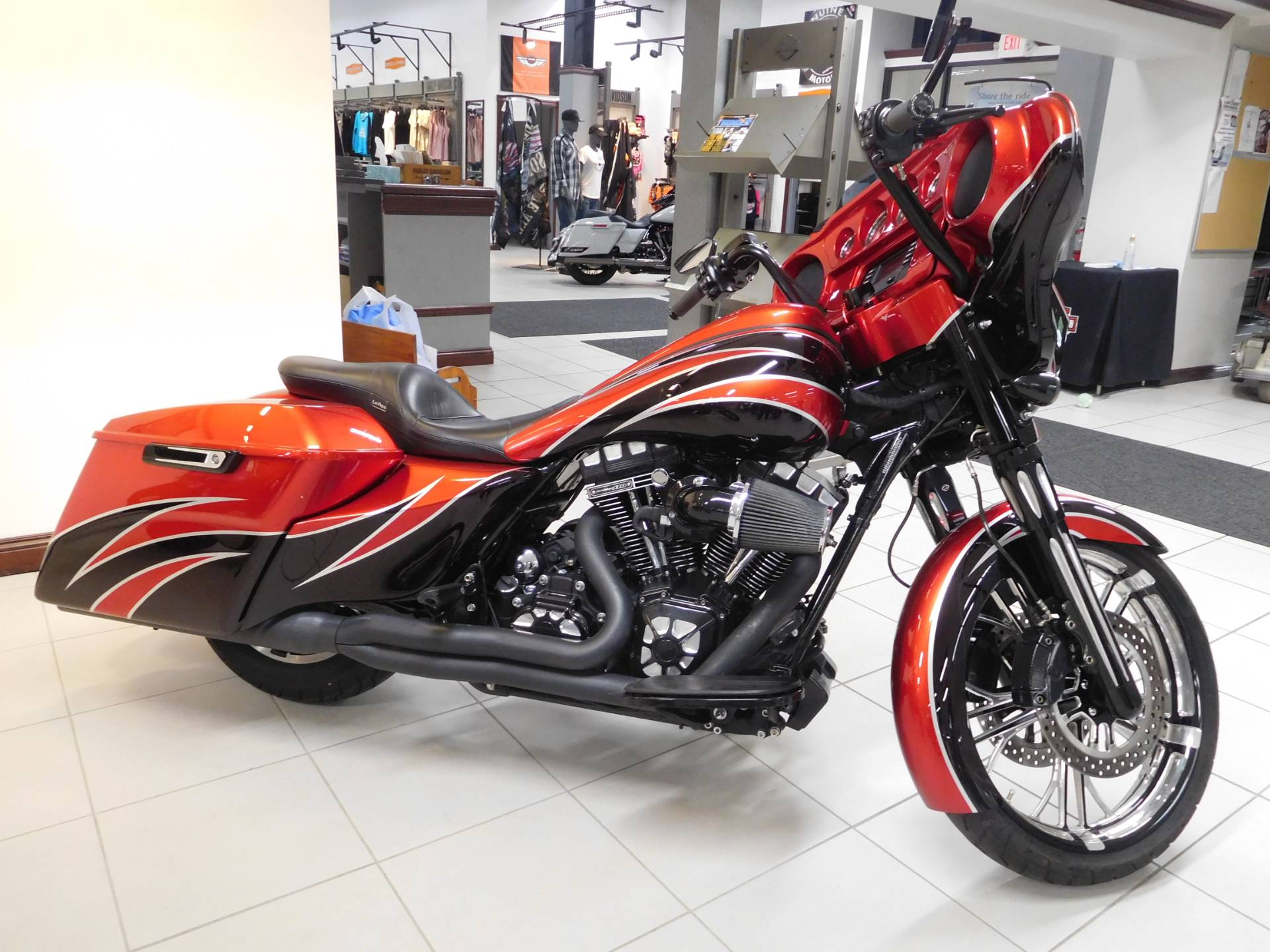 2016 Harley-Davidson Street Glide® in Rochester, Minnesota - Photo 1