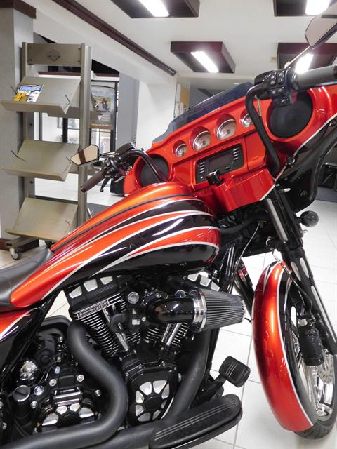 2016 Harley-Davidson Street Glide® in Rochester, Minnesota - Photo 2