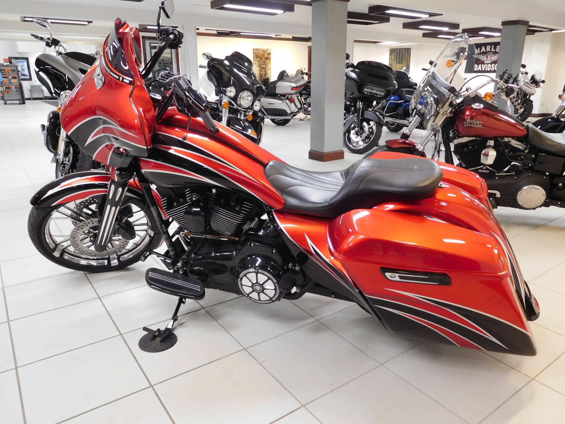 2016 Harley-Davidson Street Glide® in Rochester, Minnesota - Photo 5