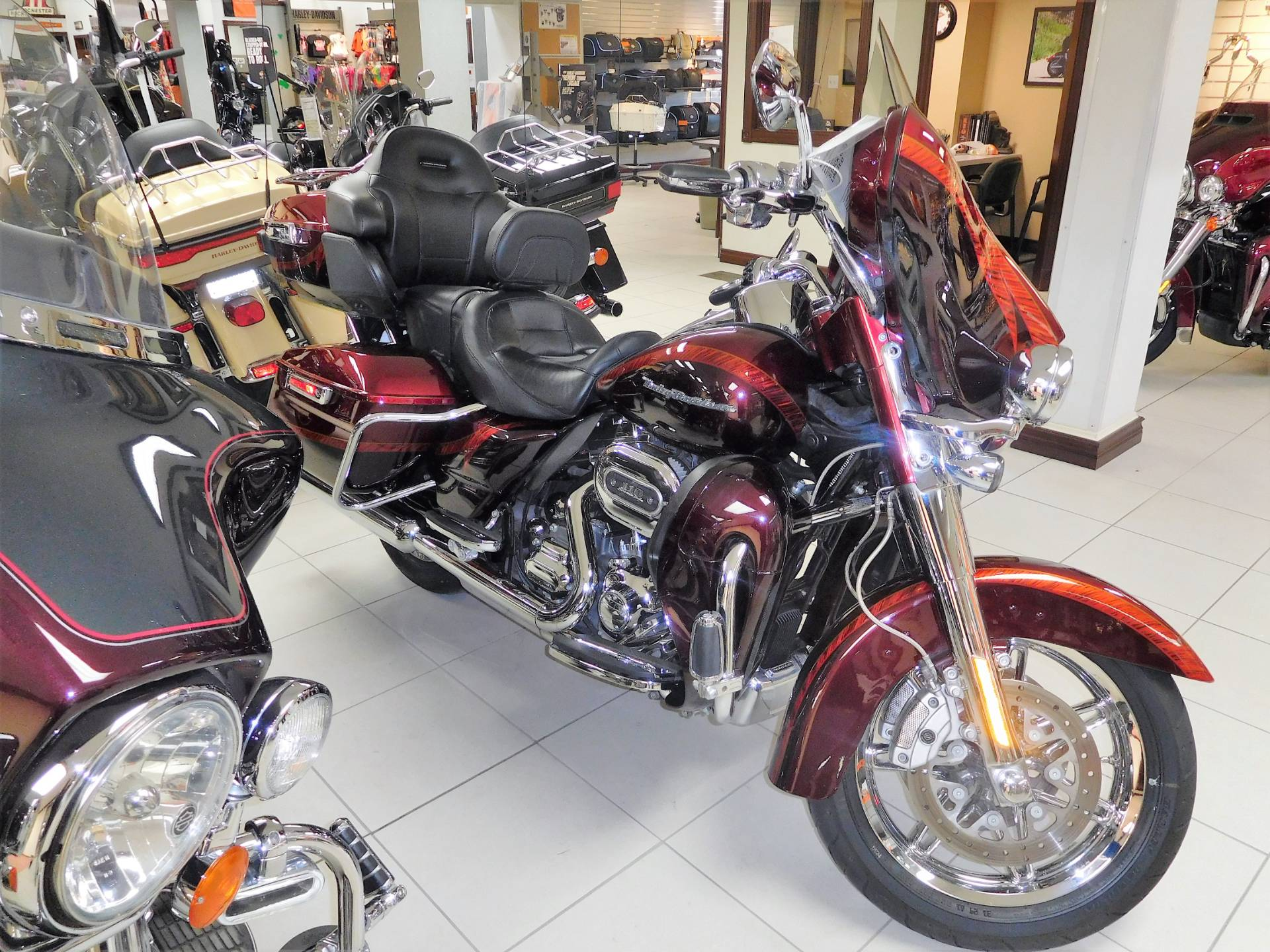 2014 Harley-Davidson CVO™ Limited in Rochester, Minnesota - Photo 1