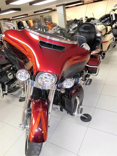 2014 Harley-Davidson CVO™ Limited in Rochester, Minnesota - Photo 4