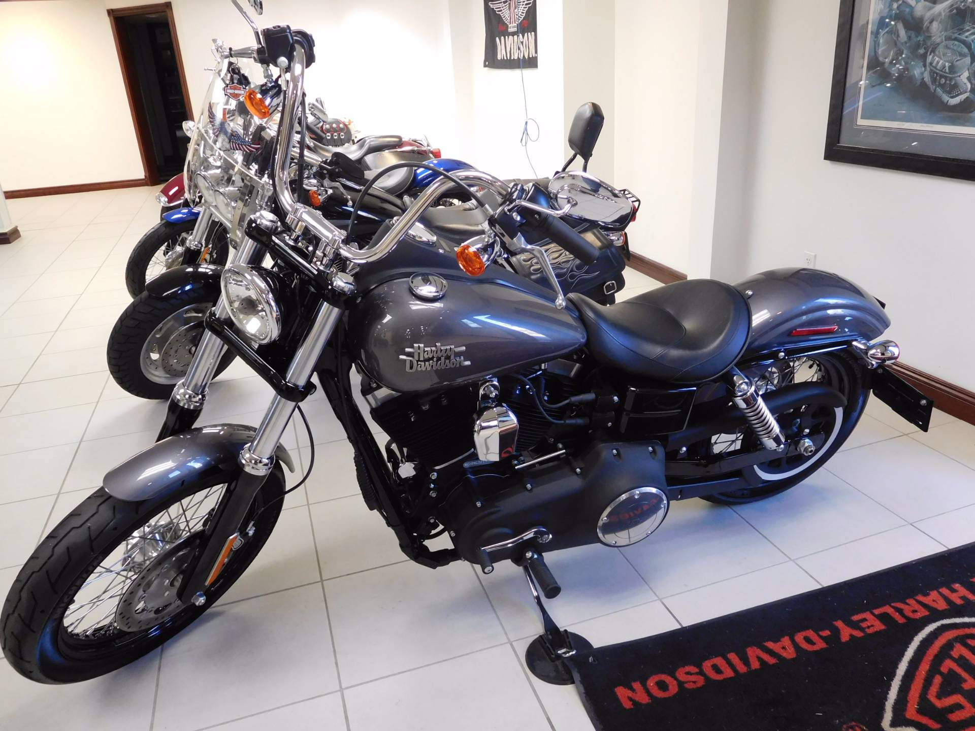 2016 Harley Davidson Street Bob In Rochester Minnesota Photo 1