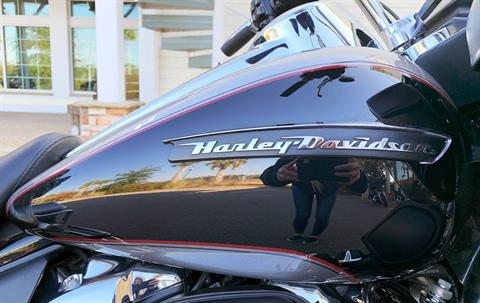 2017 Harley-Davidson Road Glide® Ultra in Wilmington, North Carolina - Photo 12