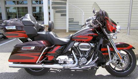 2017 Harley-Davidson CVO™ Limited® in Wilmington, North Carolina - Photo 1