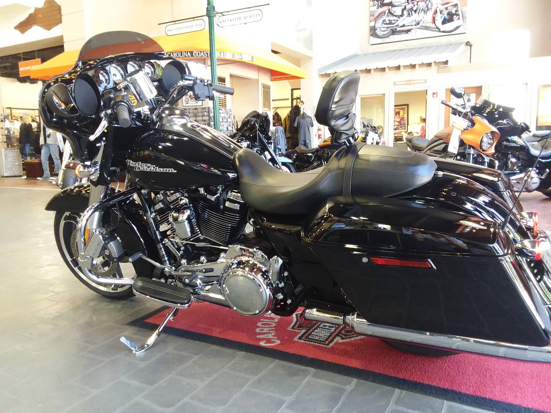 2017 Harley-Davidson Street Glide® Special in Wilmington, North Carolina - Photo 4