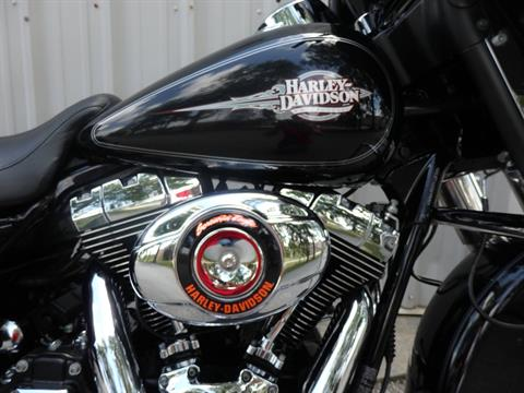 2011 Harley-Davidson Electra Glide® Classic in Wilmington, North Carolina - Photo 2