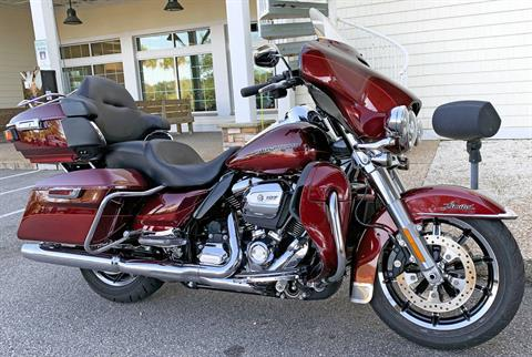 2017 Harley-Davidson Electra Glide® Ultra Limited® in Jacksonville, North Carolina - Photo 2